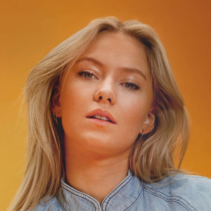 Astrid S Emotion Lyrics