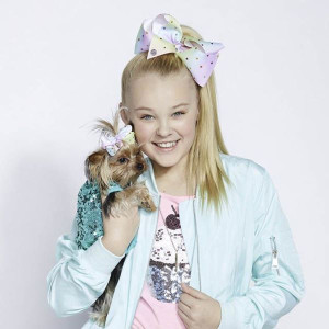JoJo Siwa Only Getting Better (Lyrics) Songtext